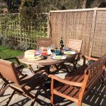 Dining al fresco at Yew Tree House